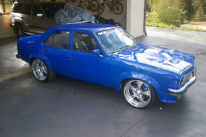 Holden Torana SLR Turbo 355 Drag Show Race