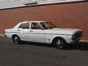 White 1971 Ford XY Futura 4D