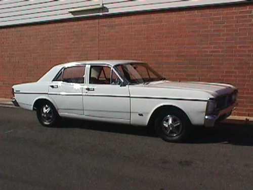 White 1971 Ford XY Futura 4D
